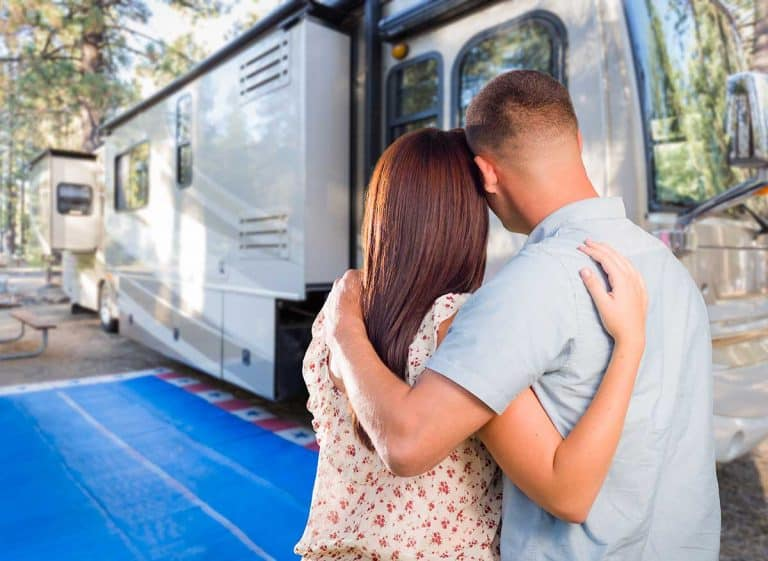 Buying a Used RV Guide (Including helpful tips and a full checklist)