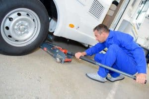 How To Level a Motorhome with Hydraulic Jacks