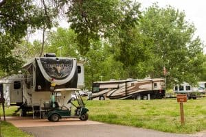 Read more about the article Should I Buy a 5th Wheel? (Pros and Cons Listed)