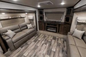 13 Fifth Wheel RVs with a Front Living Room (Illustrated Examples)