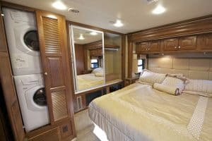 Read more about the article 9 RV's with Washer and Dryer [Inc. Examples, Tips and Ideas]