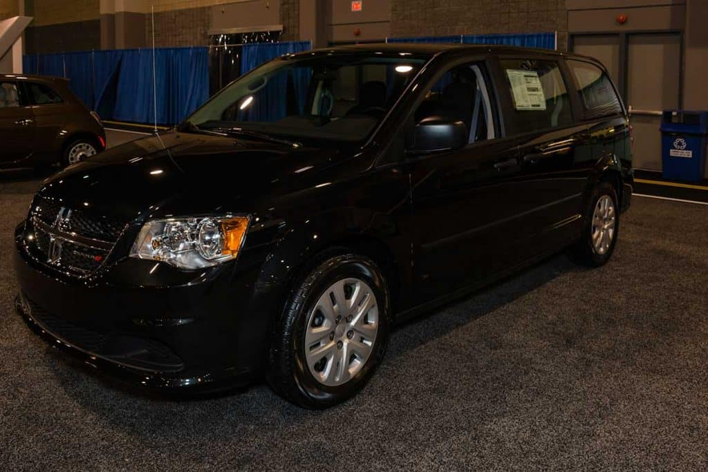 Dodge Grand Caravan Seating >> Which Minivans have Stow-and-Go Seating? - Vehicle HQ