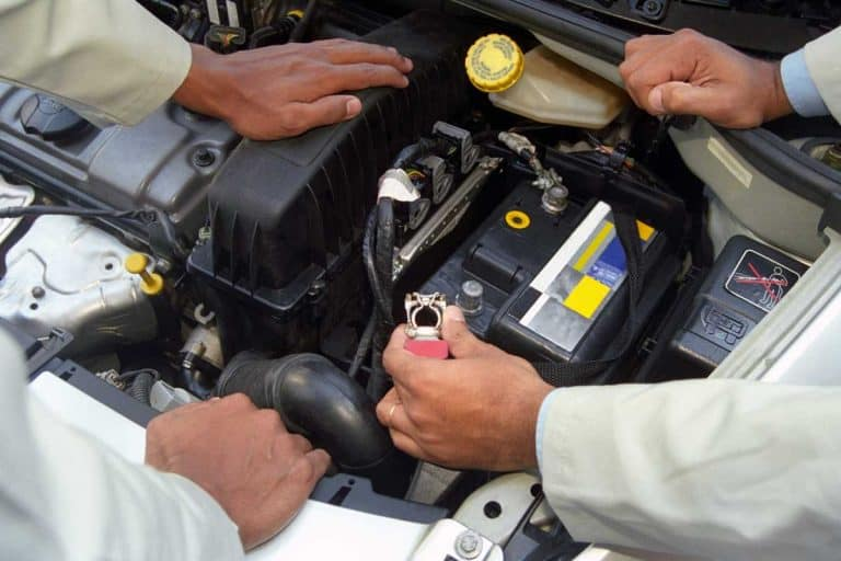 Will Disconnecting the Car Battery Harm the Computer?