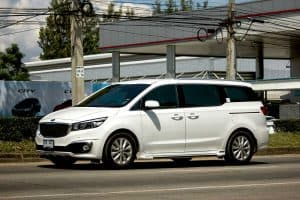 Read more about the article How Many Suitcases Fit in a Kia Sedona?