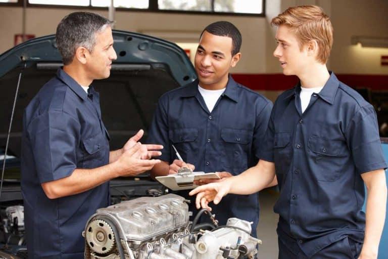How Much Do Car Mechanics Make?