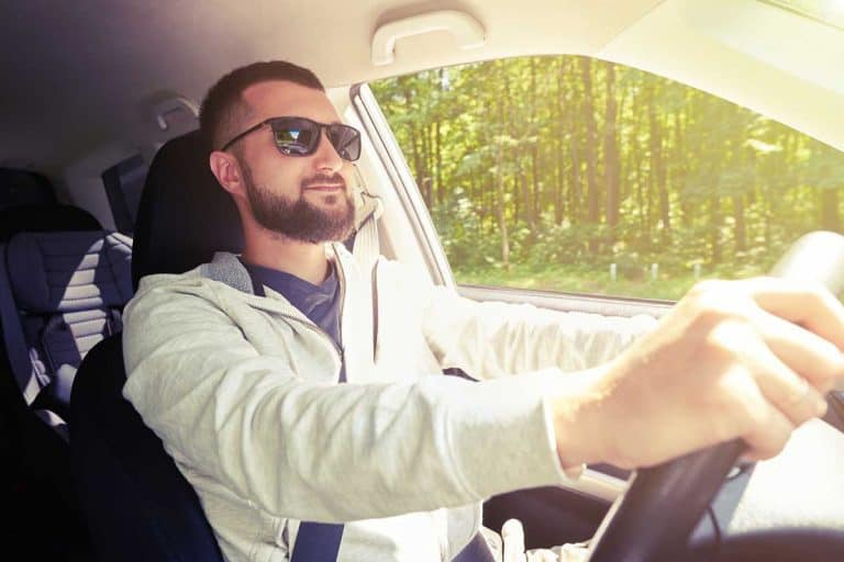 Best Polarized Glasses to Wear When Driving into the Glaring Sun