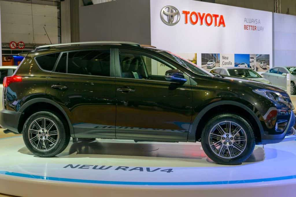 New-Toyota-RAV4-compact-SUV-on-display-at-the-2014-Brussels-motor-show
