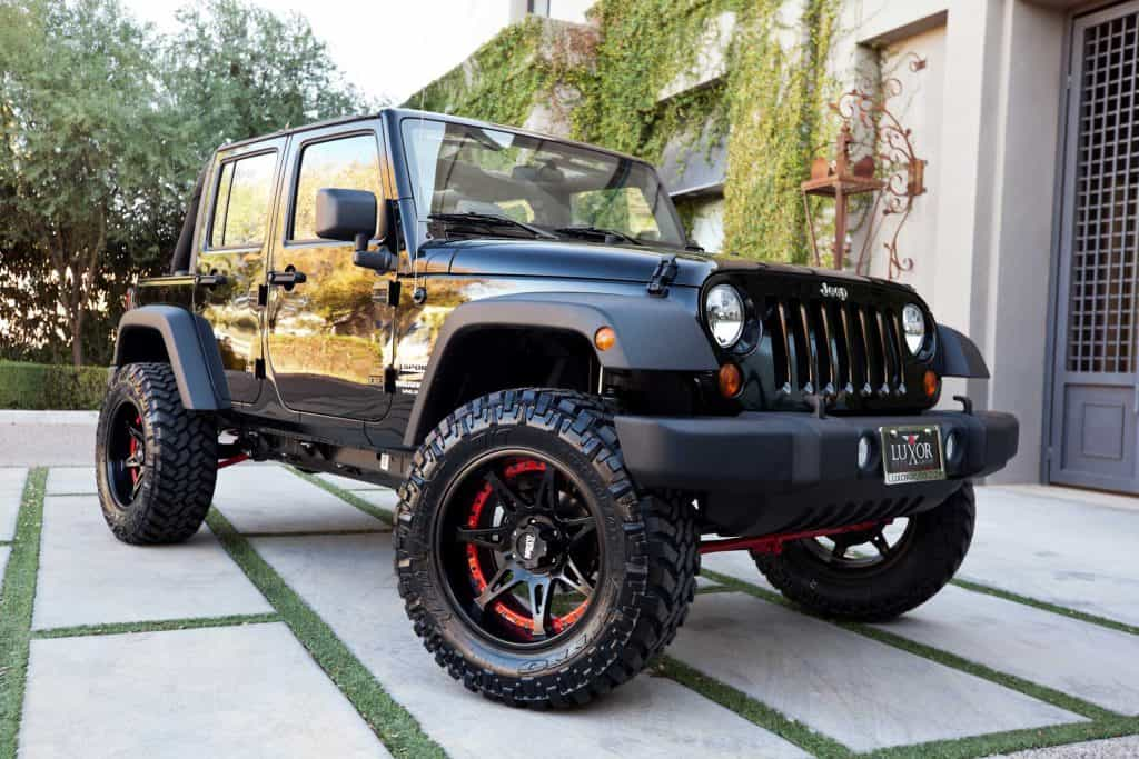 Black Jeep Wrangler parked outside, How Long Does Jeep Wrangler Last?