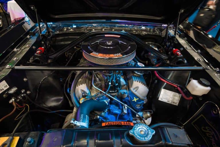 V8 Engine of a Ford Mustang Shelby 350GT, What Engine Does My Car Have?