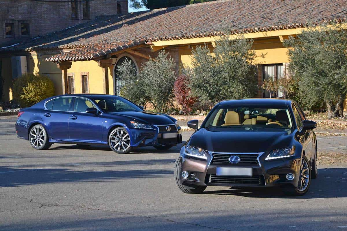 Blue Lexus GS vehicles on the street