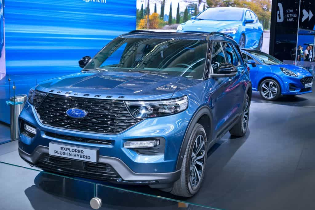 Ford Explorer plug-in-hybrid at car show