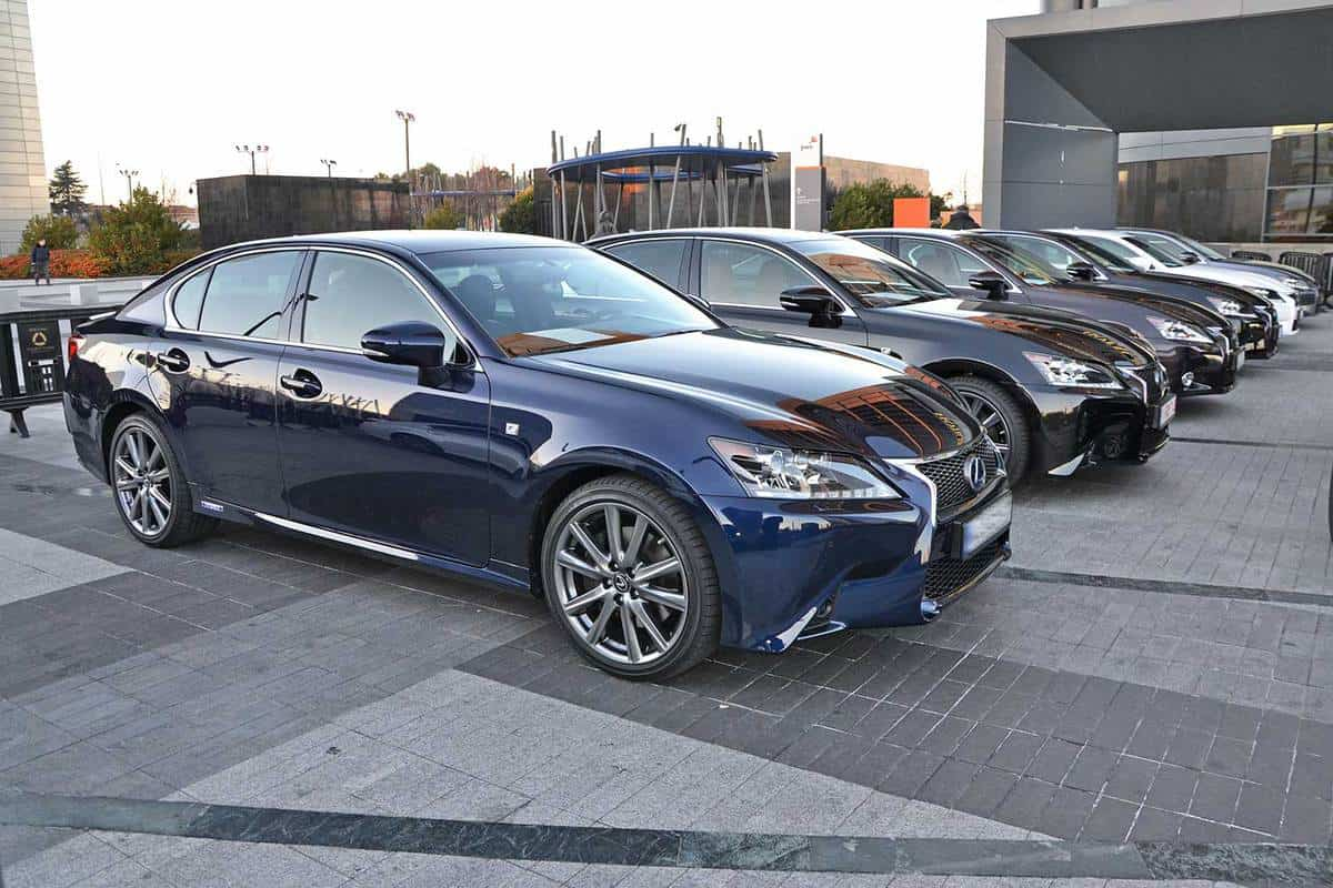 Lexus GS300h vehicles on the parking