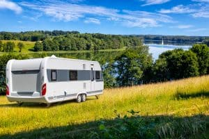Read more about the article How Much Does A 25′ Travel Trailer Weigh? [Inc. 16 examples]