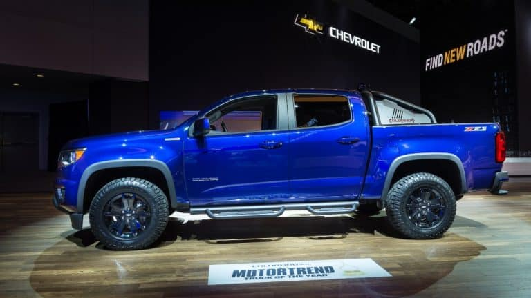 2016 chevy colorado z71 on display at a car show