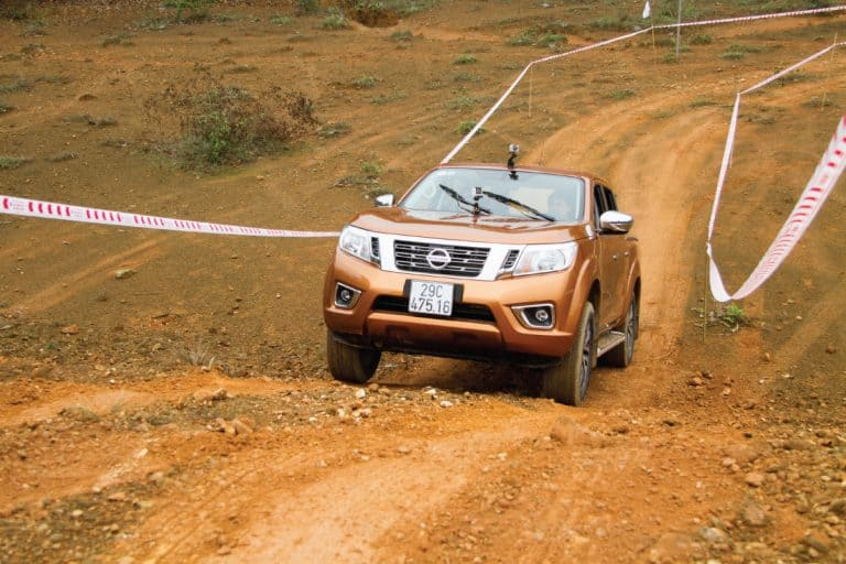 nissan frontier going uphill, is the nissan frontier a 4WD
