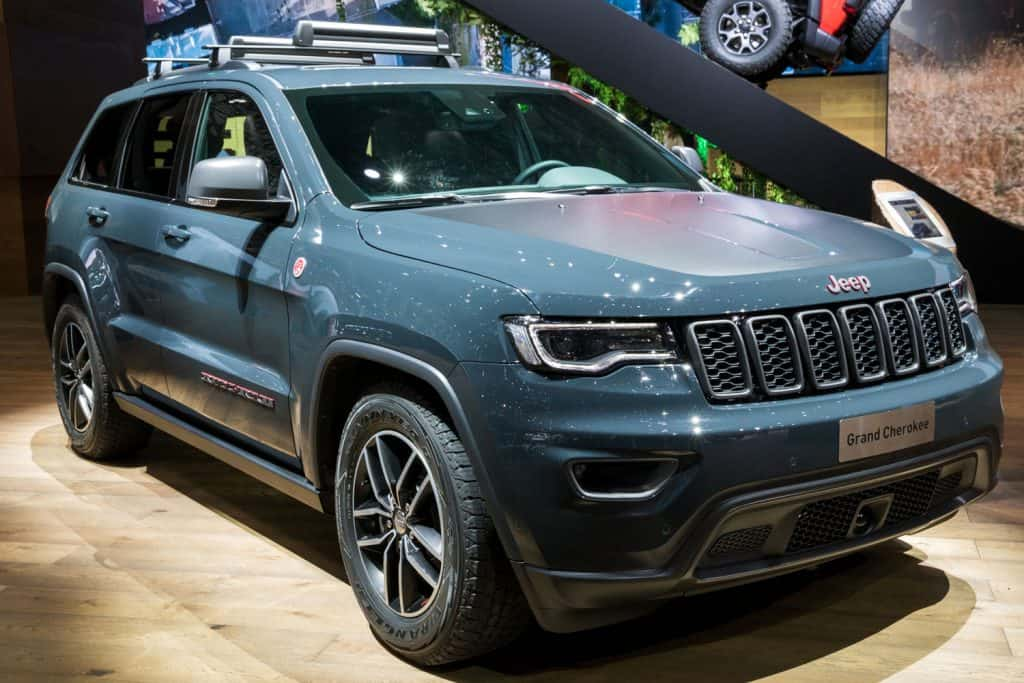 2018Jeep Grand Cherokee 4x4 car in autoshow