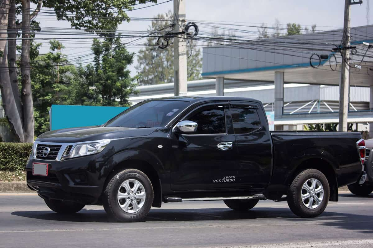 Nissan Frontier moving on the highway, Can The Nissan Frontier Be Flat Towed?