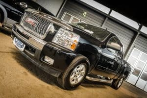 Read more about the article How Much Does a GMC Canyon Weigh? [By Model and Trim Level]