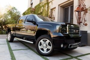 Read more about the article Does GMC Sierra Have Apple CarPlay?
