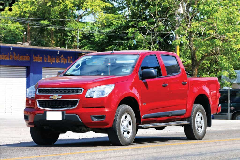 Pickup truck Chevrolet Colorado in the town street, Does The Chevy Colorado Come With A V8 Engine?