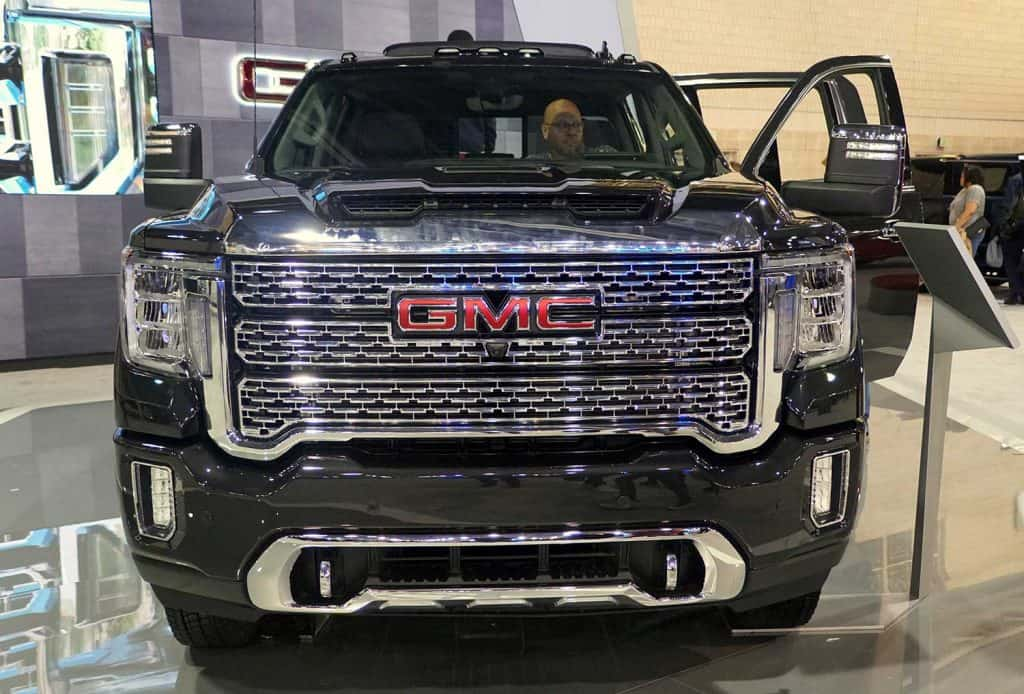 The front view of the black color of 2020 GMC Sierra 3500 Denali 4WD