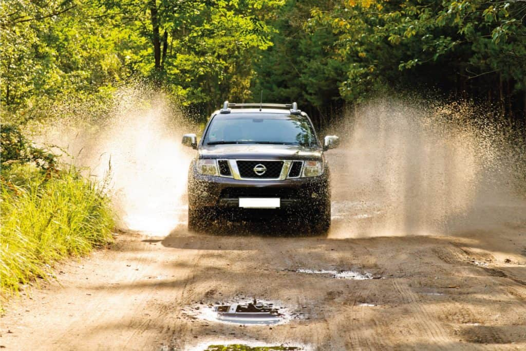 nissan frontier wading through mud in high speed, Is Nissan Frontier Gas Or Diesel Know before you buy