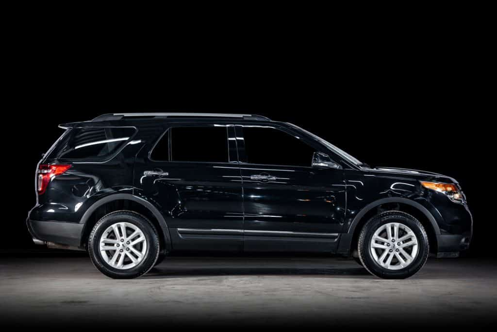Ford Explorer, side view