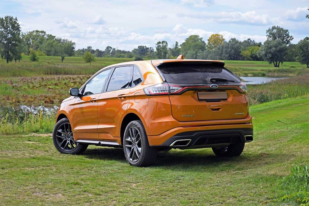 2016 Ford Edge stopped on the grass