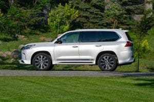 Read more about the article What SUVs Have Full Frames?