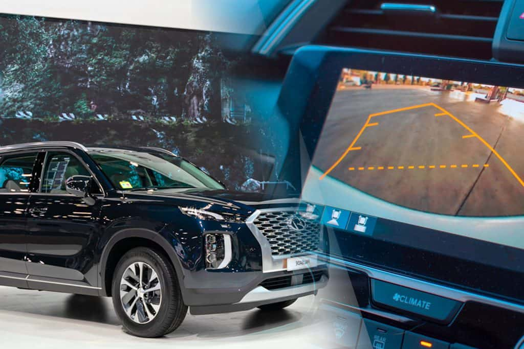 A collage of Car rear view system monitor reverse video camera and a hyundai palisade in autoshow, Does The Hyundai Palisade Have Park Assist?