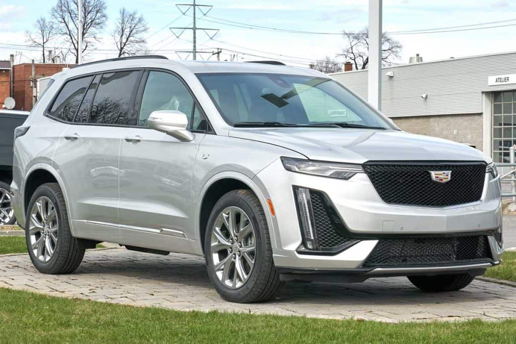A new 2020 model of Cadillac XT6 400 car in dealership, What SUVs Have Park Assist?