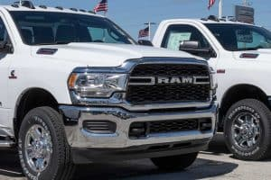 Read more about the article What Pickup Trucks Have Cummins Engines?