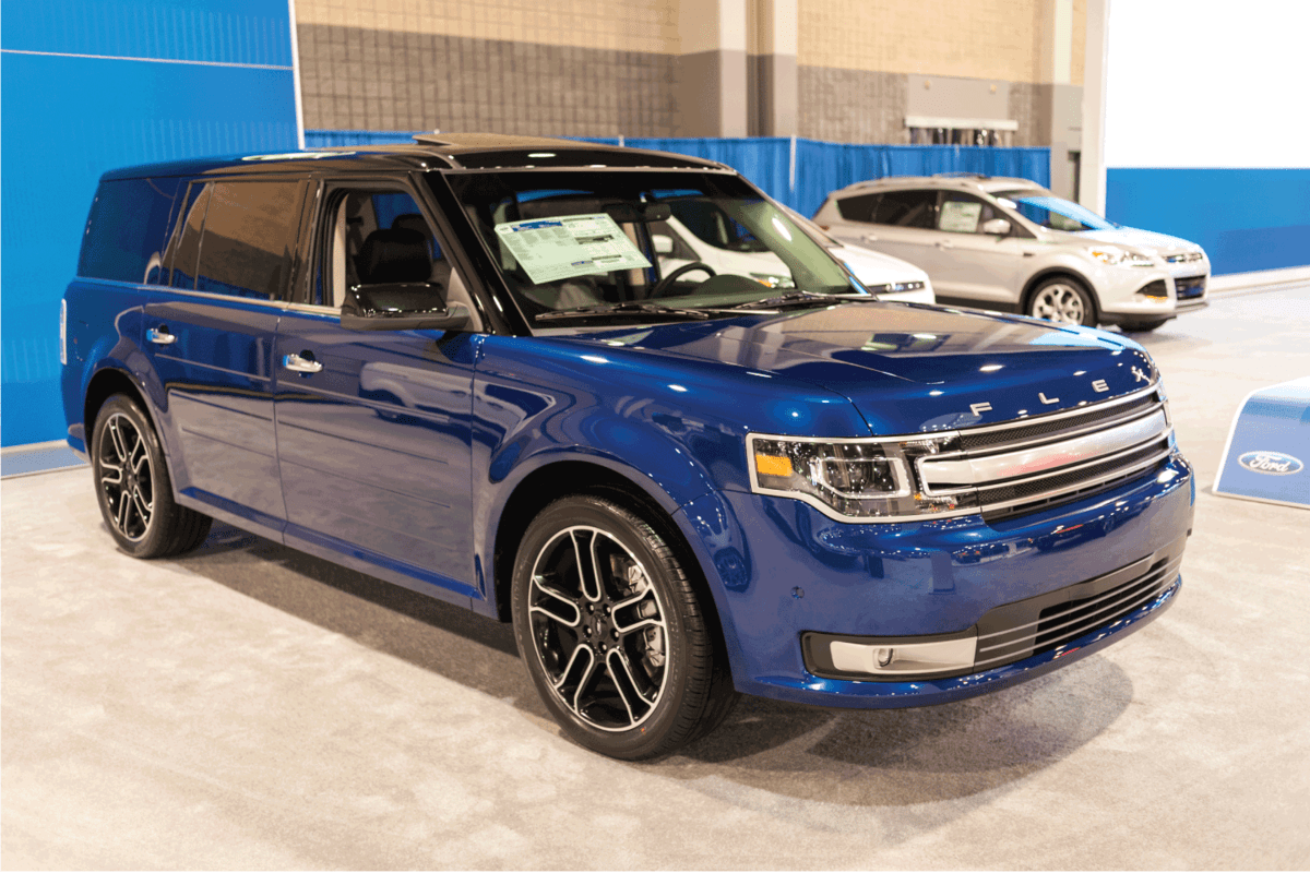 blue ford flex on display in Charlotte auto show