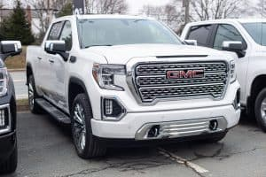 Read more about the article What's The Best Oil For GMC Sierra 1500?