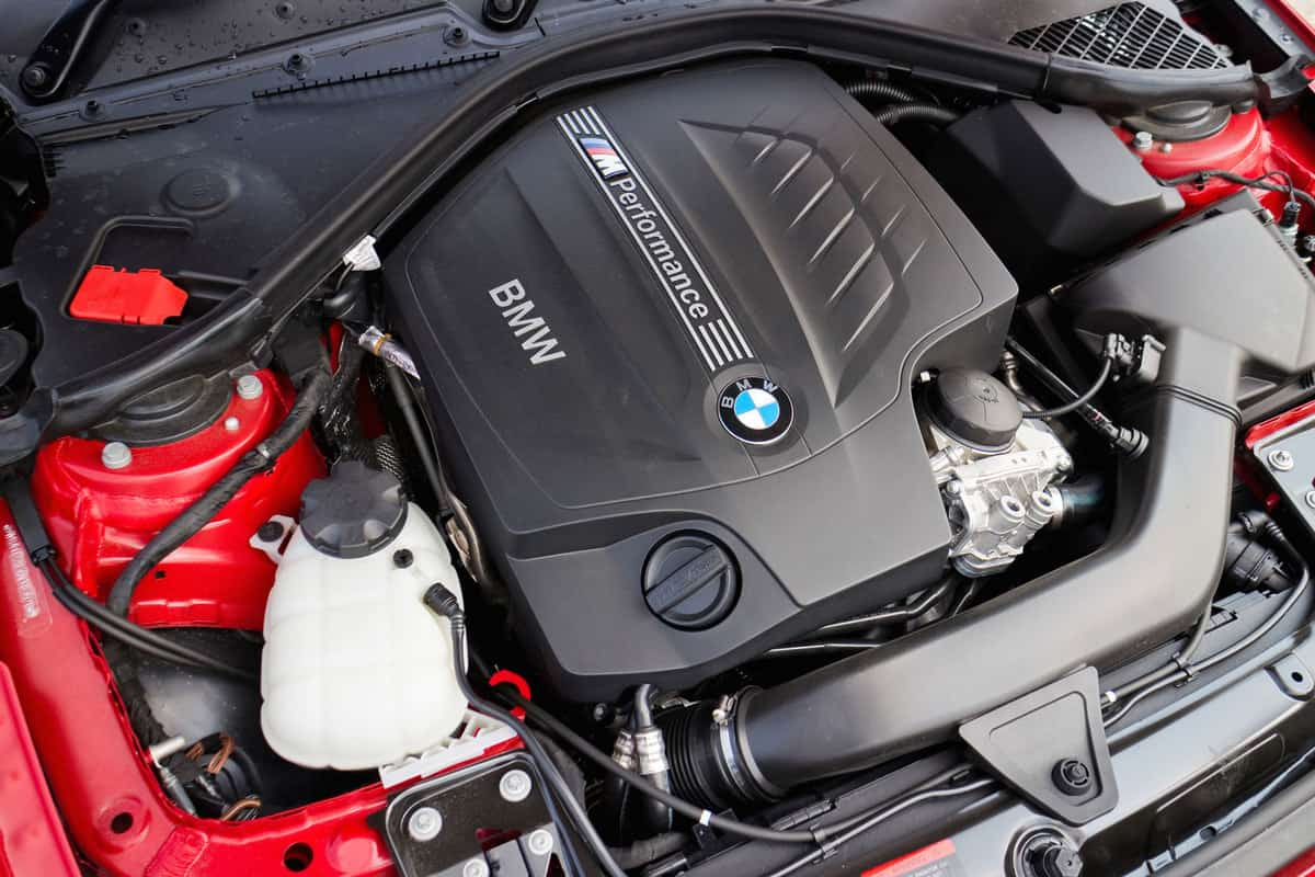 BMW M235i Engine close-up, 5 Of The Best Fuel Injector Cleaners For BMWs
