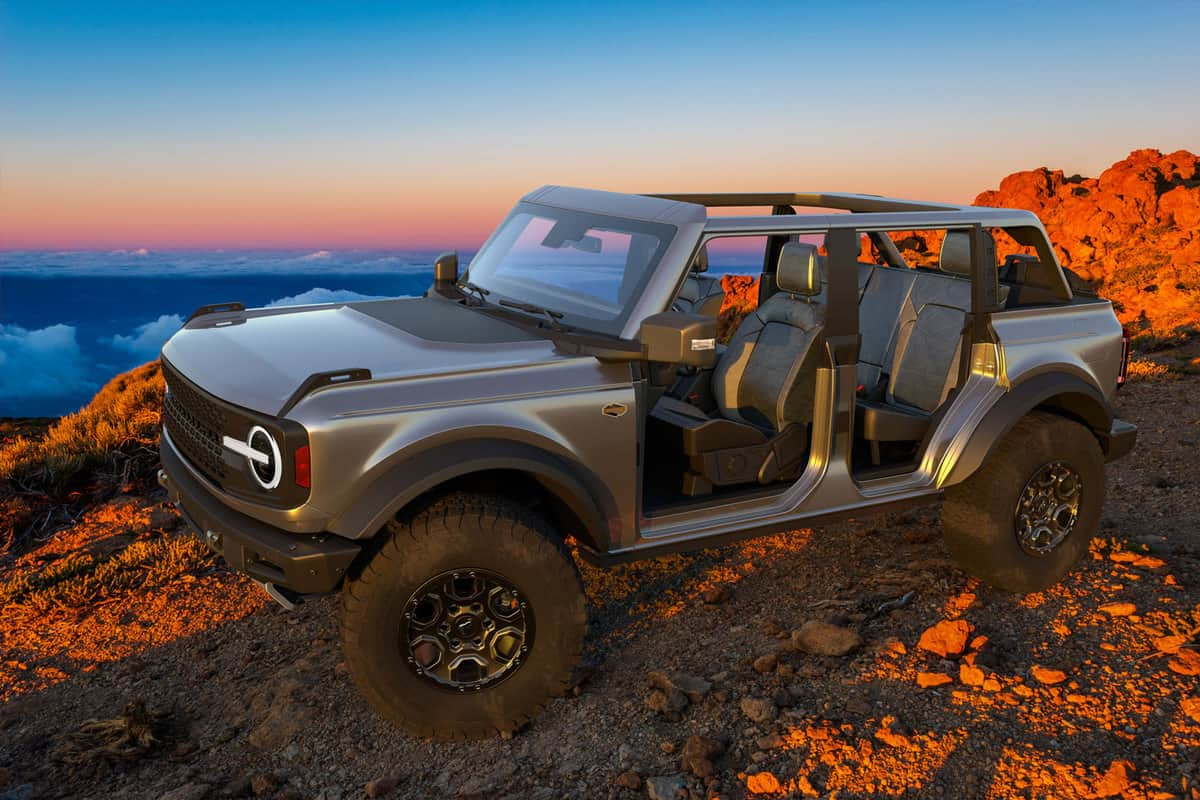 Ford Bronco Wildtrak on wilderness,Does The Ford Bronco Roof Come Off? [With Instructions On How-To]