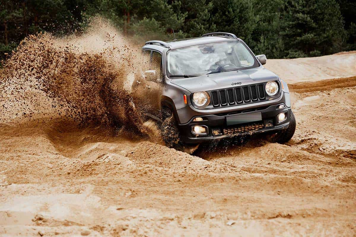 Jeep Renegade doing great in the slushy sand