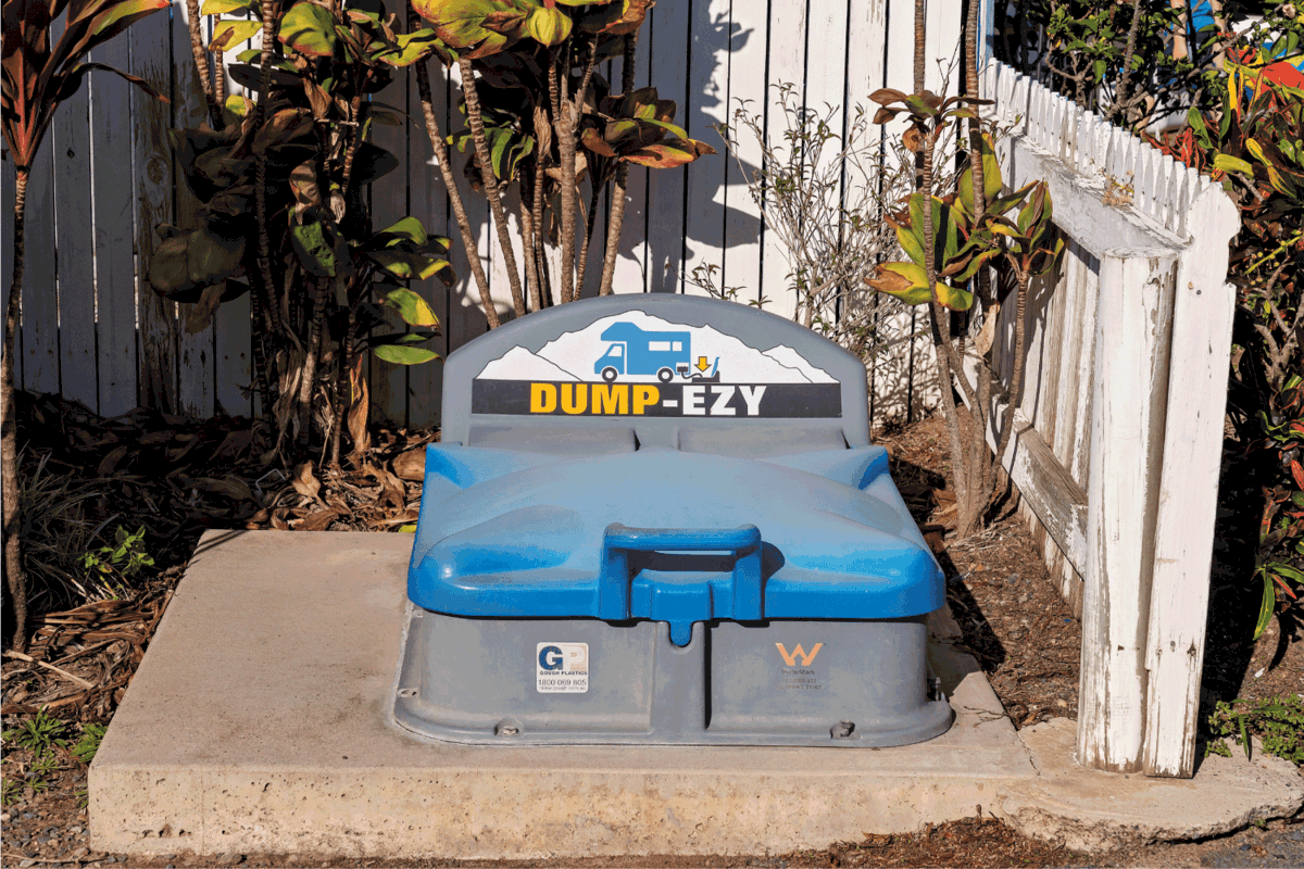 RV dumping area with cover