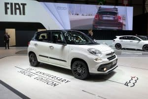 Read more about the article How Many Miles Can A Fiat 500L Last?