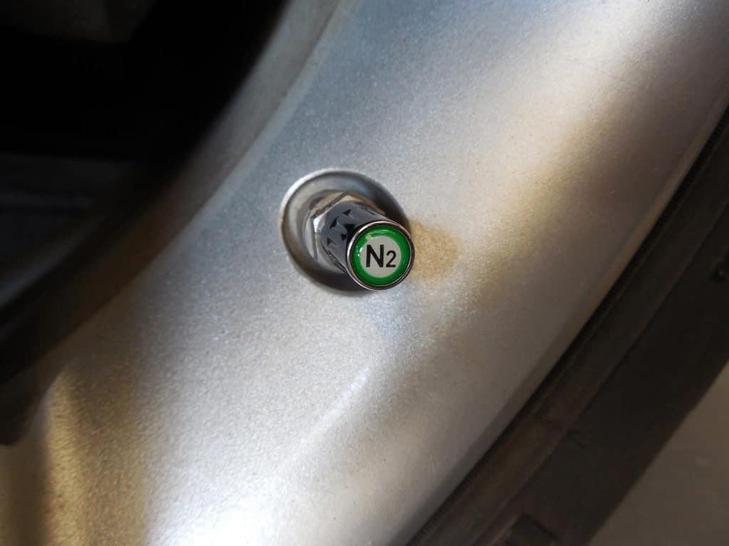Chrome nitrogen (N2) valve cap on aluminum TPMS stem
