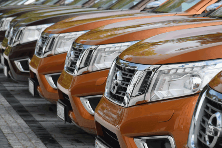 Nissan NP300 Navara stopped on the parking before the test drives. What Kind Of Engine Does A Nissan Frontier Have