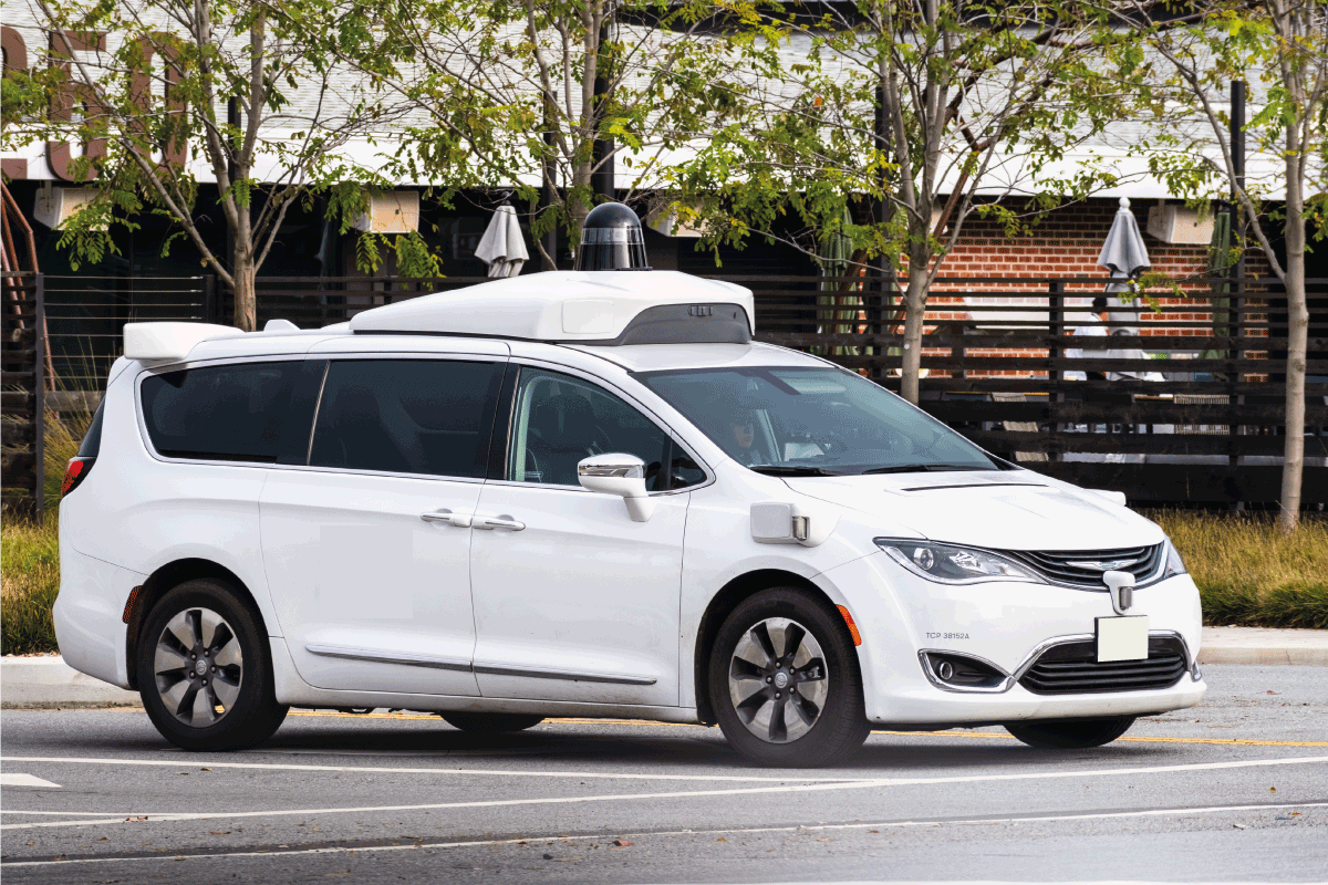 chrysler pacifica on the streets of Los Angeles used as a self driving test car. Can A Chrysler Pacifica Tow A Camper