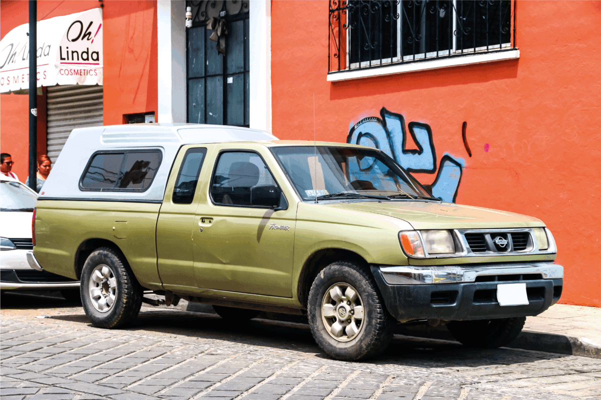 old nissan np300, nissan frontier 2019