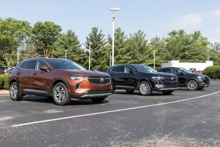 A line up of Buick Enclave at a dealership, Does The Buick Enclave Have Adaptive Cruise Control?