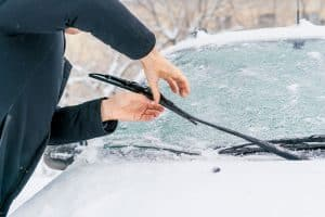 Read more about the article What Are The Best Wiper Blades For Winter?