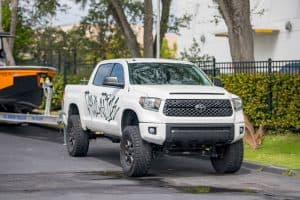 Read more about the article Can A Toyota Tundra Pull A Horse Trailer?