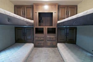 Read more about the article 6 Great Toy Haulers With Bunk Beds