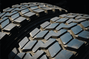Read more about the article Should Dually Tires Touch?
