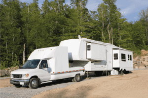 Read more about the article 11 Great Toy Hauler RVs With Slide Outs